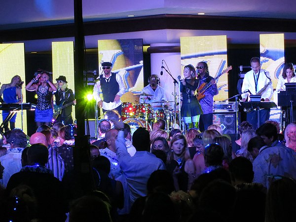 2014-11-18 Liquid Blue Band in Kona HI at Waikoloa Hilton 039