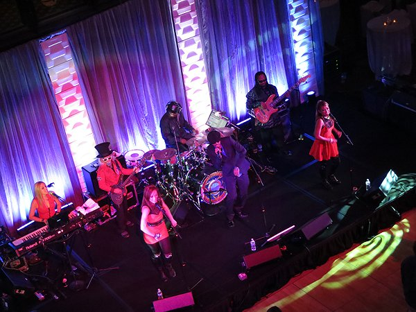 2014-12-12 Liquid Blue Band in Indianapolis IN at Union Station 023