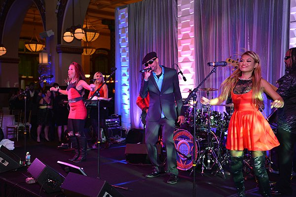 2014-12-12 Liquid Blue Band in Indianapolis IN at Union Station 139