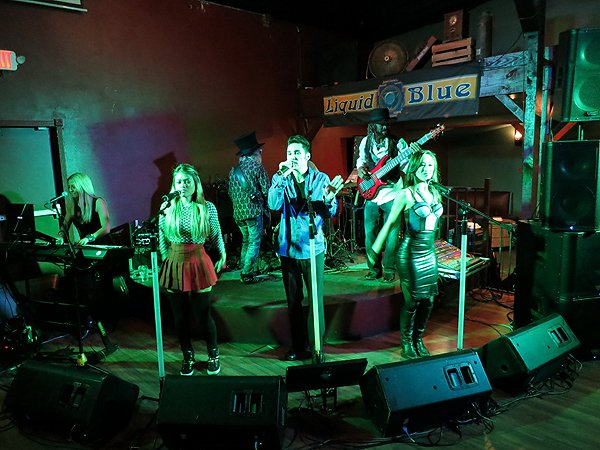 2014-12-20 Liquid Blue Band in Lakeside CA at The Bucking Delorian 008