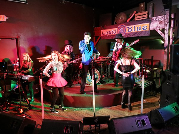 2014-12-20 Liquid Blue Band in Lakeside CA at The Bucking Delorian 021