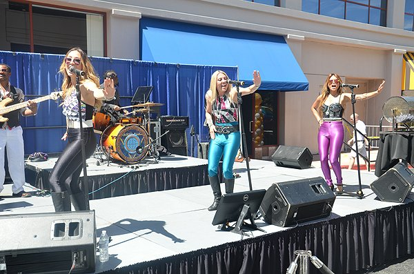 2015-06-18 Liquid Blue Band in Santa Clarita CA at Princess Cruises Headquarters 008
