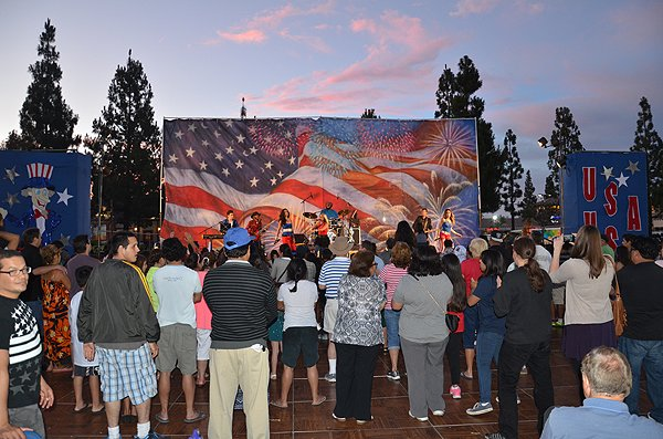 2015-07-03 Liquid Blue Band in Norwalk CA at City Hall Lawn 040
