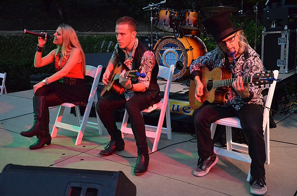 2015-08-17 Acoustic Blue Band in Newport Coast CA at Pelican Hill Resort 034