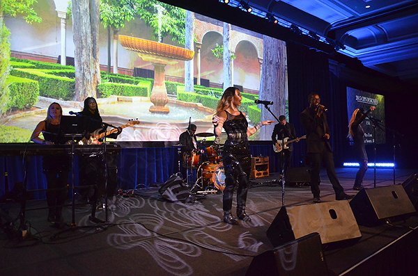 2015-11-14 Liquid Blue Band in San Diego CA at Manchester Grand Hyatt 017