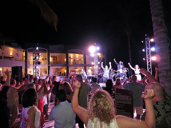 2016-01-11 Liquid Blue Band in Puerto Vallarta Mexico at Secrets Resort 238