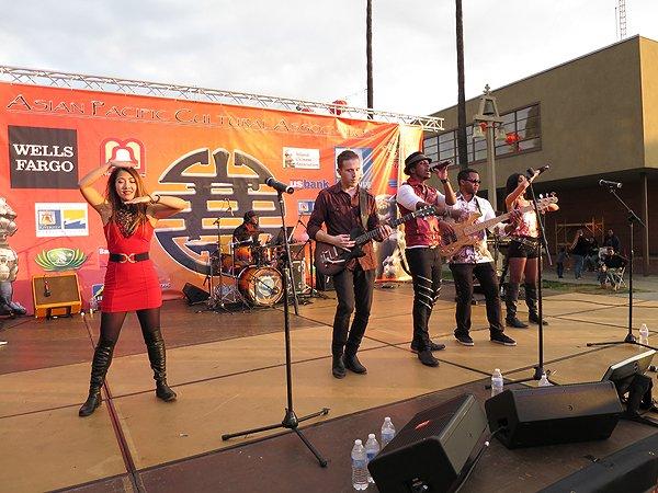 2016-01-30 Liquid Blue Band in Riverside CA at Lunar Festival 07