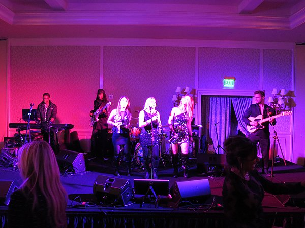 2016-03-07 Liquid Blue Band in Laguna Beach CA at Montage Hotel 16