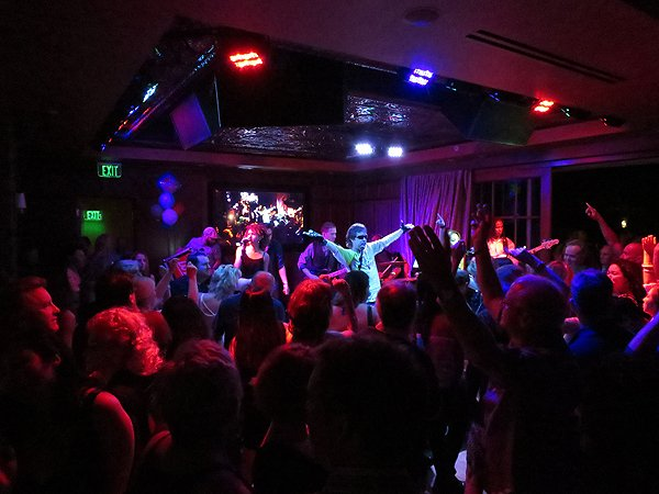 2016-03-26 Liquid Blue Band in Del Mar CA at Club M 77
