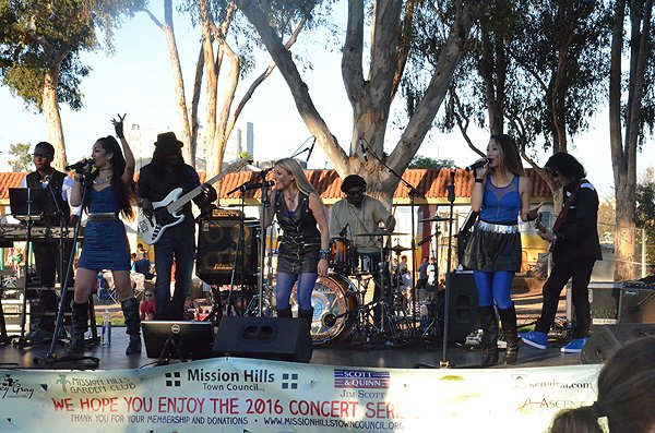 2016-07-22 Liquid Blue Band in San Diego CA at Pioneer Park 040