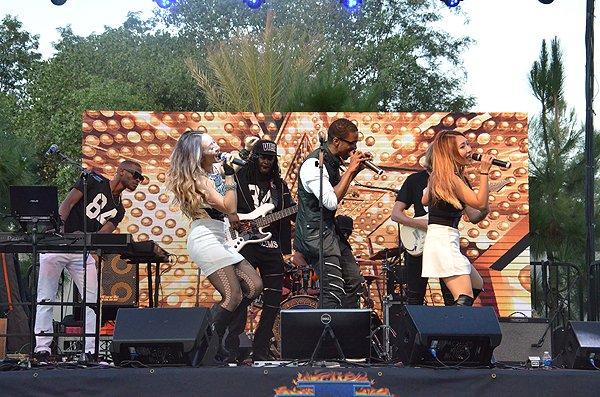 2016-08-20 Liquid Blue Band in Alpine CA at Viejas Park 06