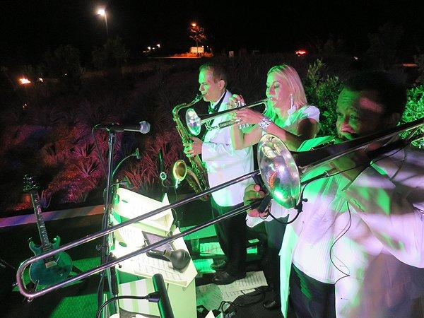 2016-10-15 Liquid Blue Band in San Diego CA at Farmer and Seahorse 13