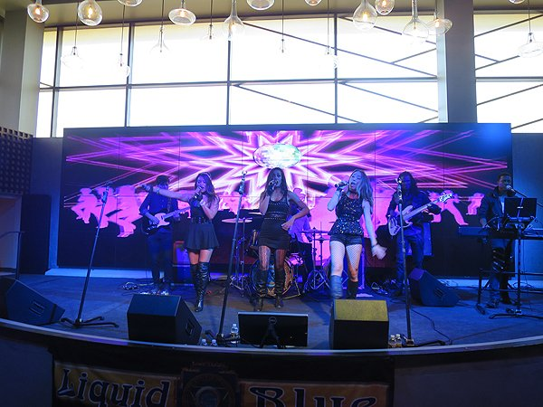 2016-10-22 Liquid Blue Band in Jamul CA at Hollywood Casino 202