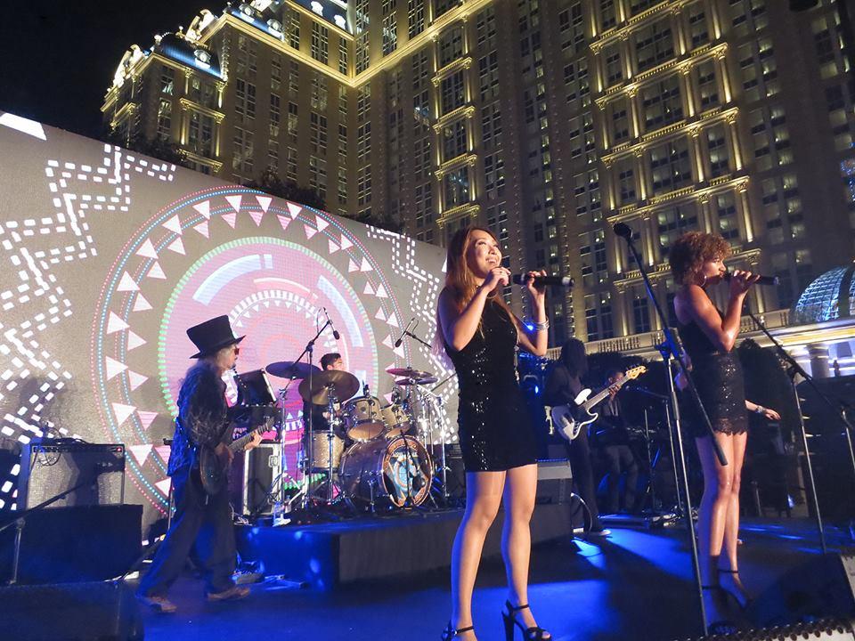 2016-09-13 Liquid Blue Band Performing in Macau (3)