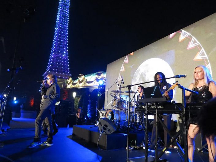 2016-09-13 Liquid Blue Band Performing in Macau (7)