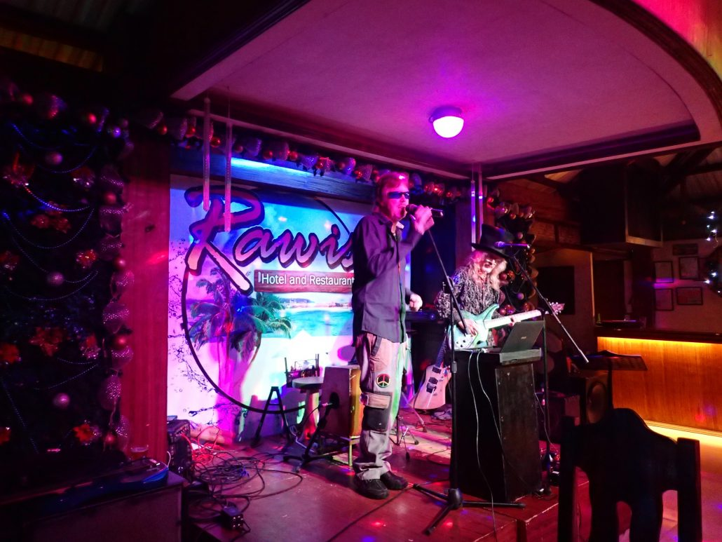 2017-01-07 Two From Blue in Borongan Philippines at Rawis Resort and Restaurant (28)