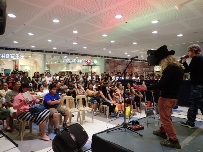 2017-01-14 Two From Blue in Tacloban Philippines at SM Savemore Mall (8)