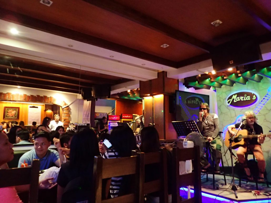 2017-01-15 Two From Blue in Catbalogan Philippines at Maria_s Restaurant (3)