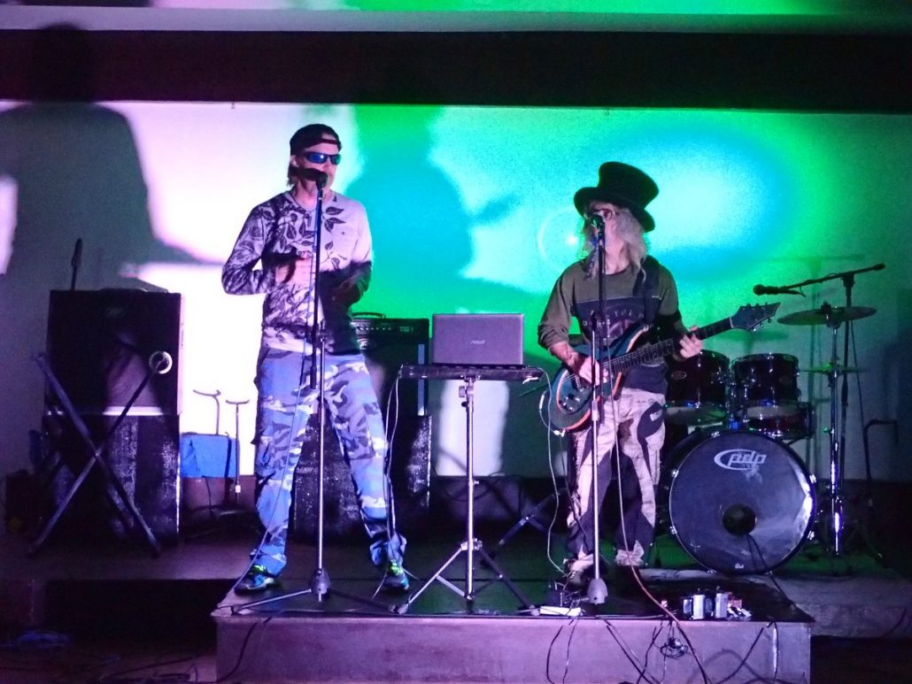 2017-01-29 Two From Blue in Catarman Philippines at 90_s Restobar (3)