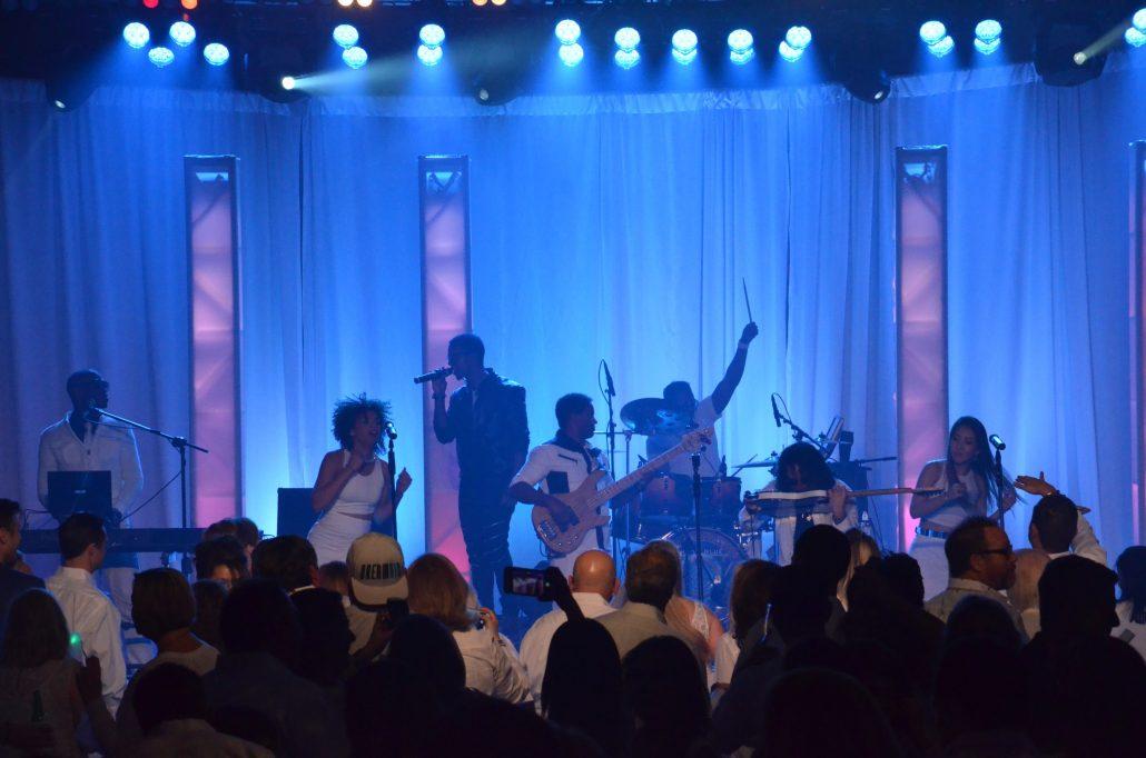 2017-01-31 Liquid Blue Band in Palm Dessert CA at JW Marriott (11)