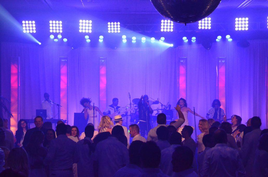 2017-01-31 Liquid Blue Band in Palm Dessert CA at JW Marriott (3)