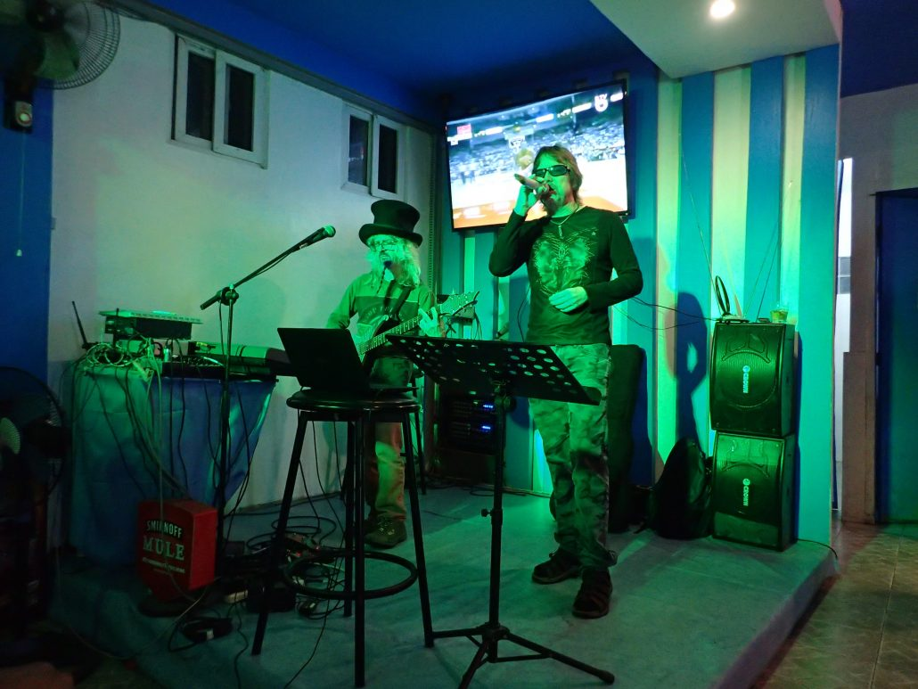 2017-02-07 Two From Blue in Legazpi City Philippines at C Front (14)