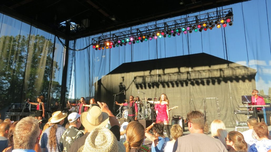 2017-07-08 Liquid Blue Band in Woodenville WA at Chateau Ste Michelle (13)
