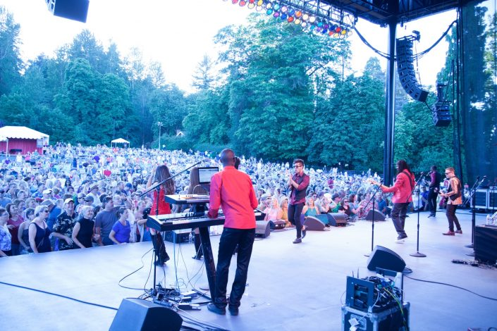 2017-07-08 Liquid Blue Band in Woodinville WA at Chateau Ste Michelle (66)