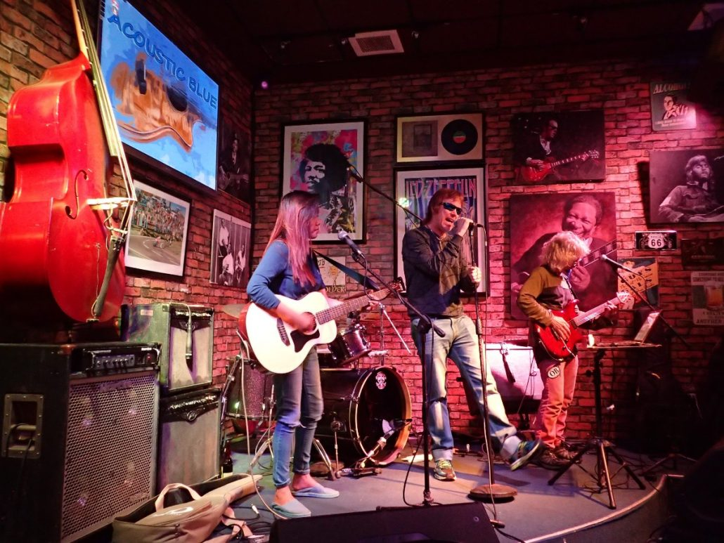 2017-09-12 Acoustic Blue Band in Manila Philippines at The Roadhouse Manila Bay (92)
