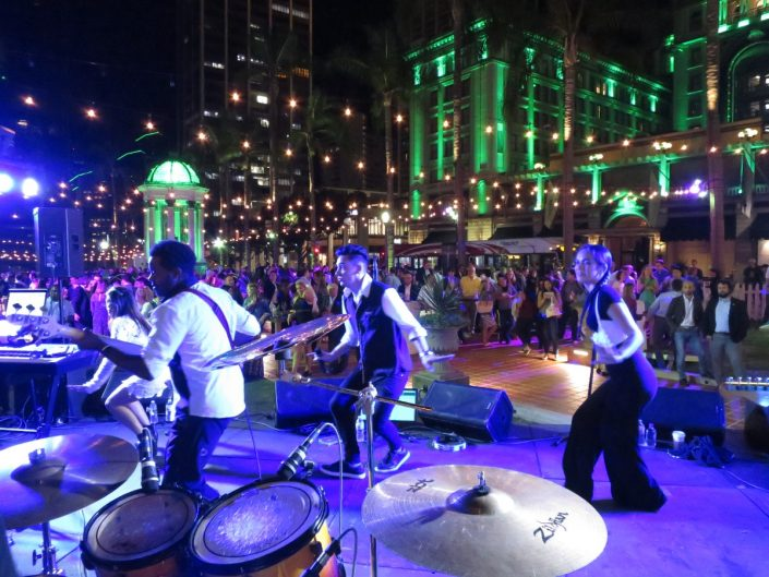 2017-09-25 Liquid Blue Band in San Diego CA at Horton Plaza (6)