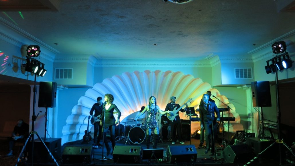 2017-12-15 Liquid Blue Band in San Diego CA at The Lafayette Hotel (5)