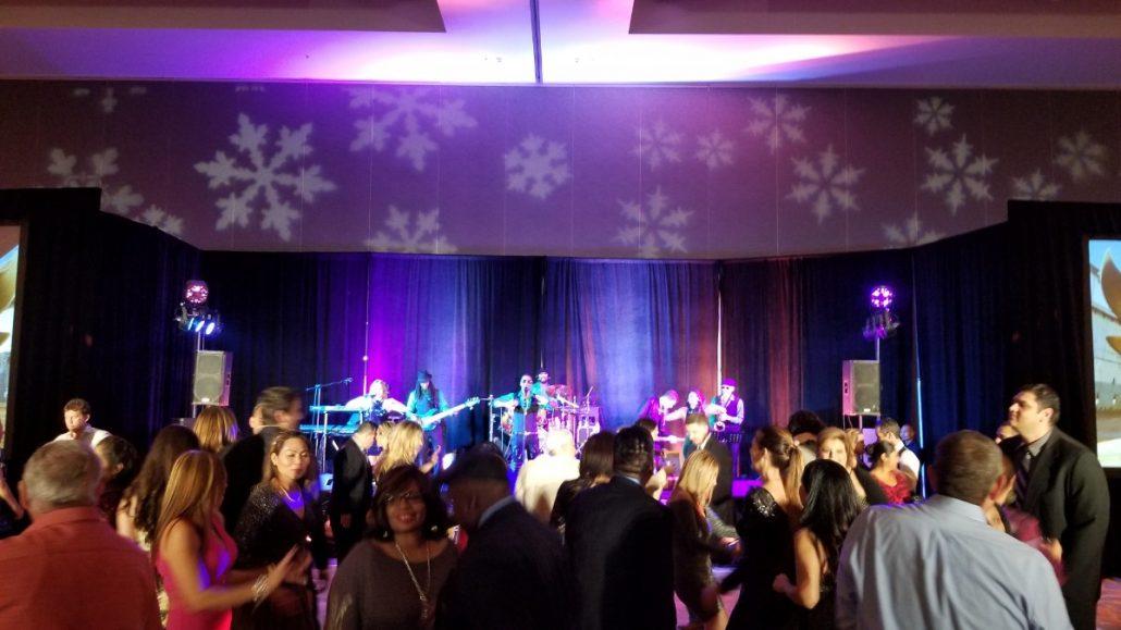 2017-12-16 Liquid Blue Band in San Diego CA at Marriott Marquis Hotel JGS8 (14)