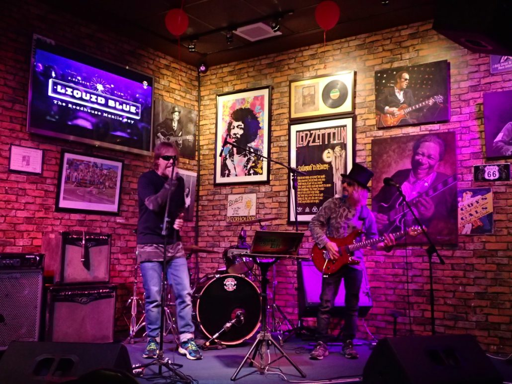 2018-02-24 Two From Blue at Roadhouse Manila Bay Philippines 24