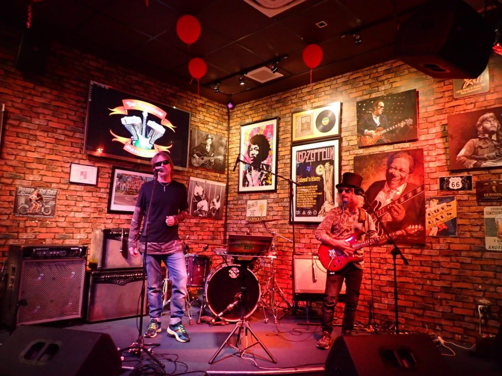 2018-02-24 Two From Blue at Roadhouse Manila Bay Philippines 4