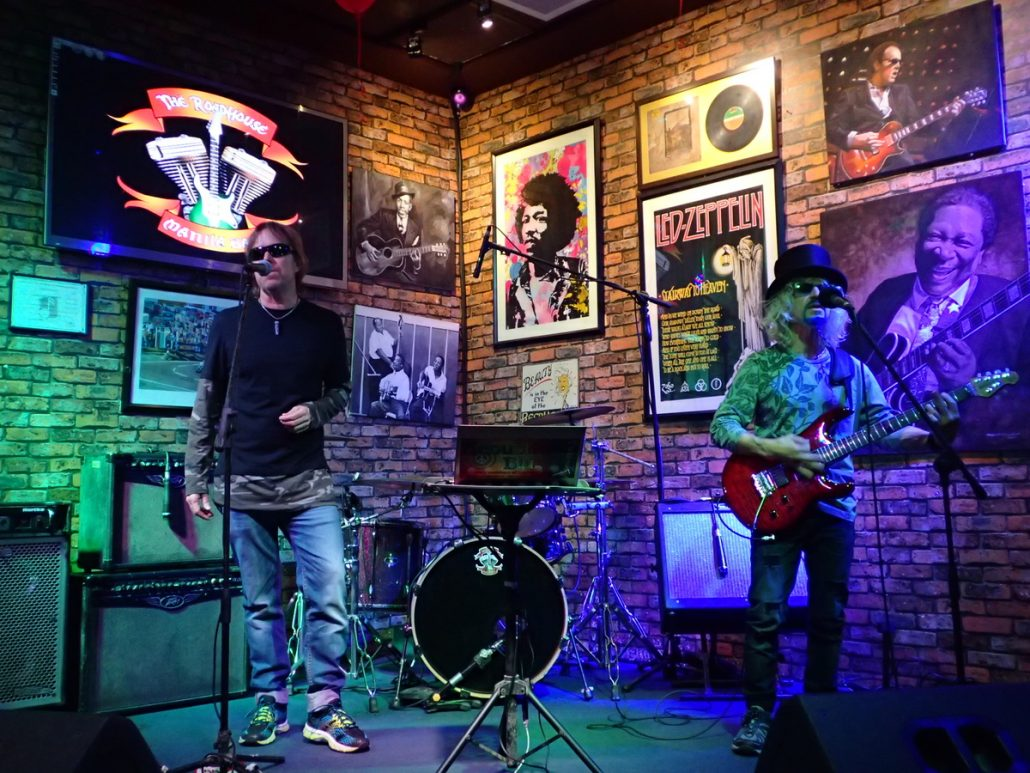 2018-02-24 Two From Blue at Roadhouse Manila Bay Philippines 5