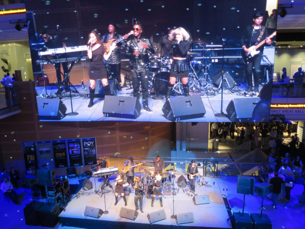 2018-05-04 Liquid Blue Band in Washington DC at Newseum (163)