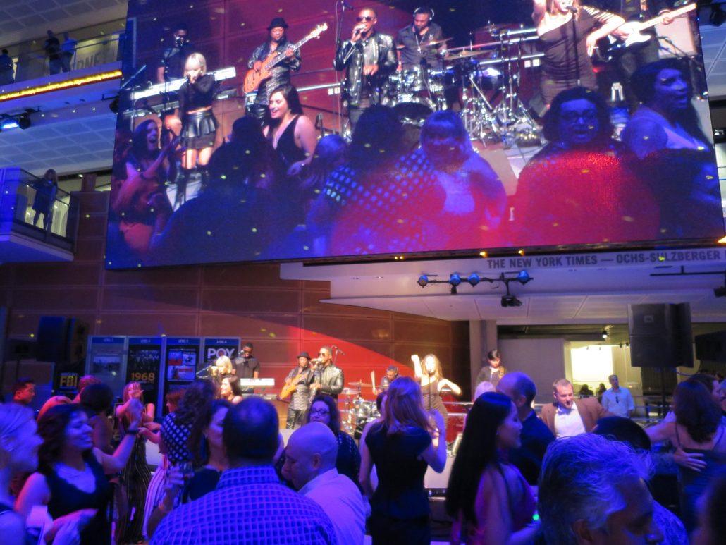 2018-05-04 Liquid Blue Band in Washington DC at Newseum (210)