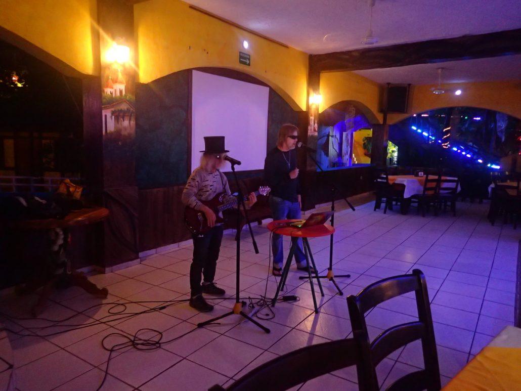 2018-05-26 Two From Blue in San Luis Talpa El Salvador at Hotel Rancho Estero Y Mar (3)