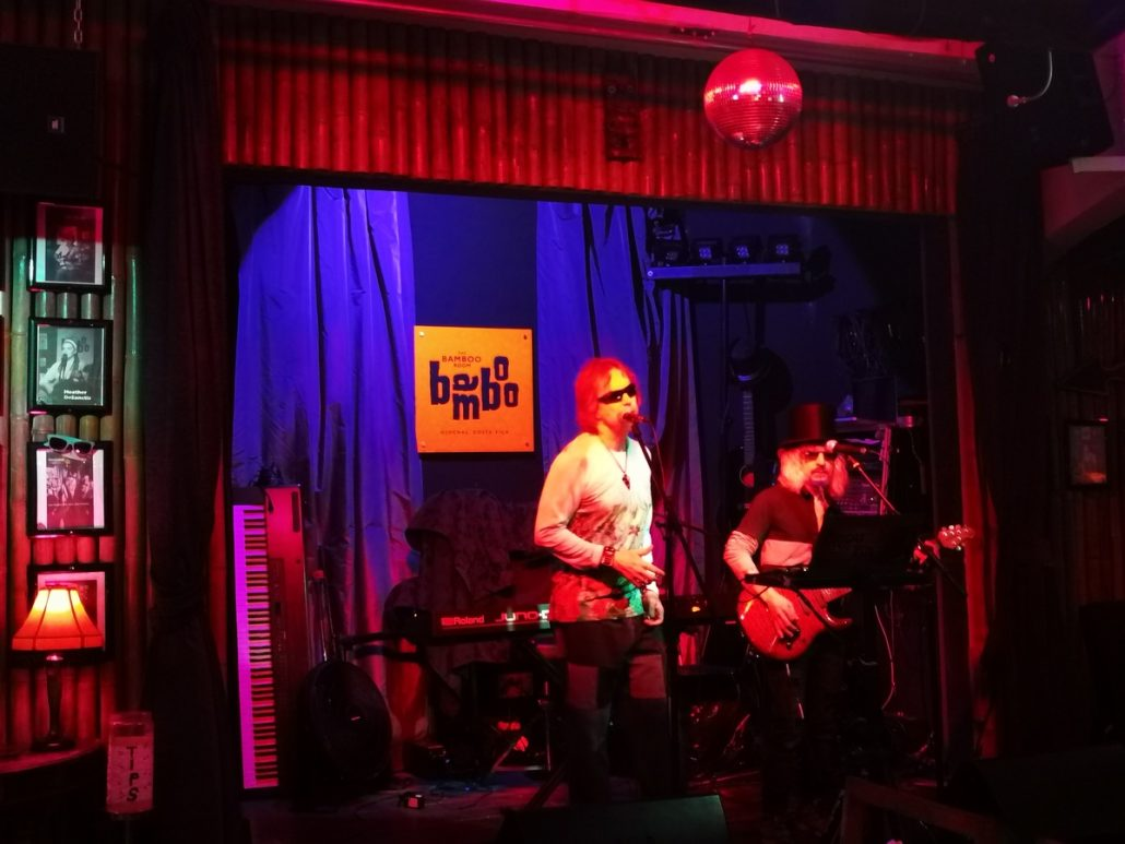 2018-07-11 Out Of The Blue at Bamboo Room Ojochal Costa Rica (1)