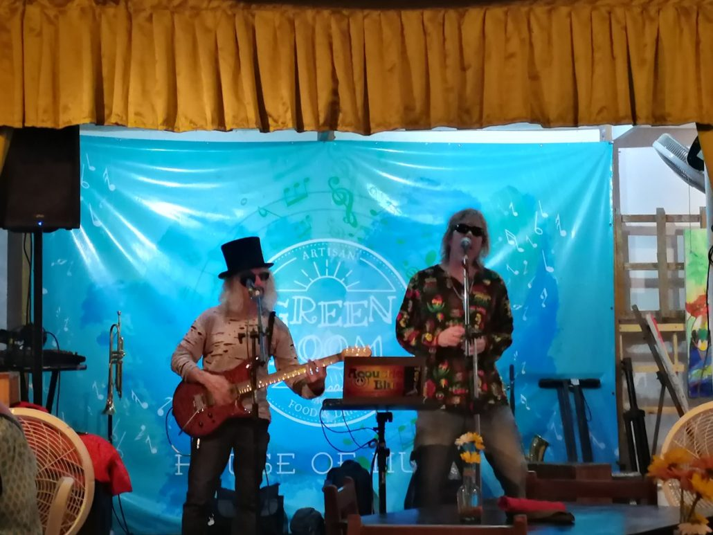 2018-09-09 Out Of The Blue at Green Room Jaco Costa Rica (14)