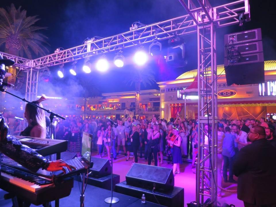 Liquid Blue has Performed in Las Vegas (11)