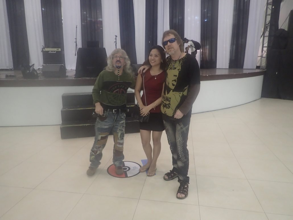 2016-08-21 Two From Blue in Cebu City Post Show (11)