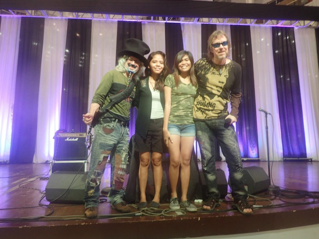 2016-08-21 Two From Blue in Cebu City Post Show (2)