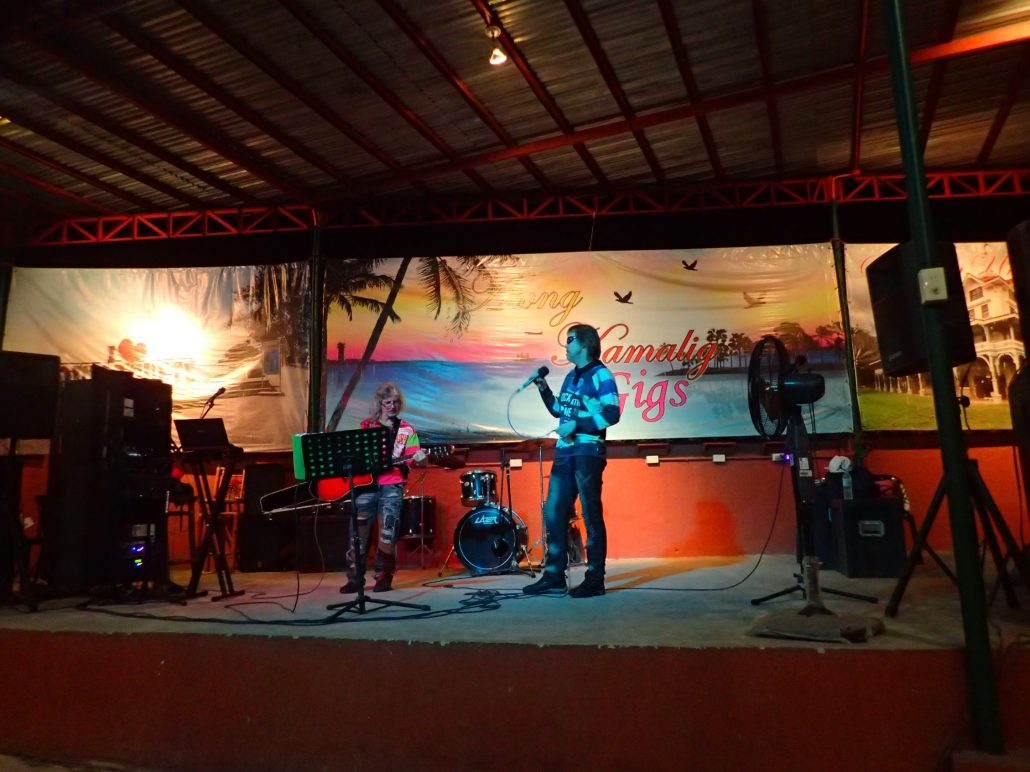 2016-09-21 Two From Blue in Dumaguete City at Atong Kamalig (20)