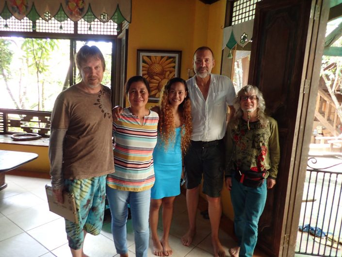 2016-10-09 Bohol Bee Farm Owners Vicky and Neil Dauis Panglao Philippines (1)