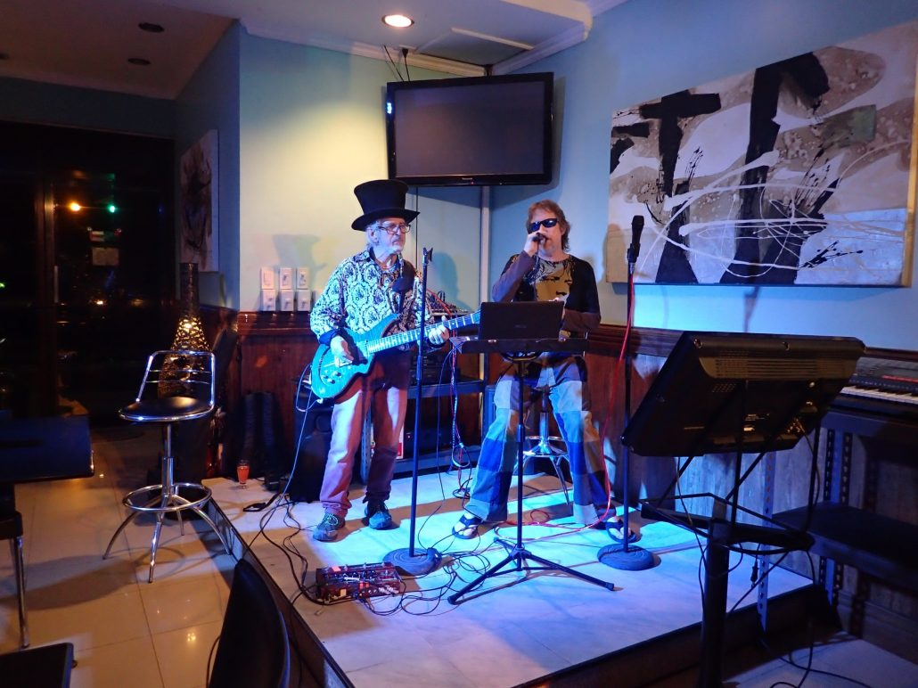 2016-10-23 Two From Blue in Tuguegarao City Philippines at Le Cafe De Vie (1)