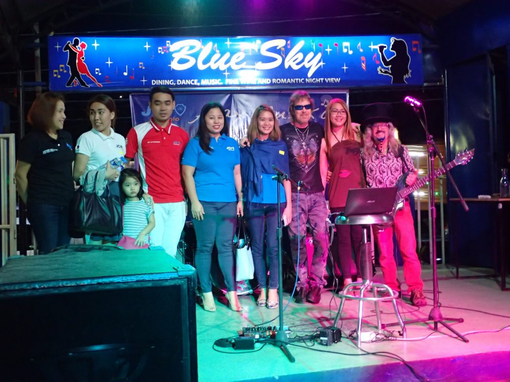 2016-11-19 Two From Blue in Antipolo Philippines (5)