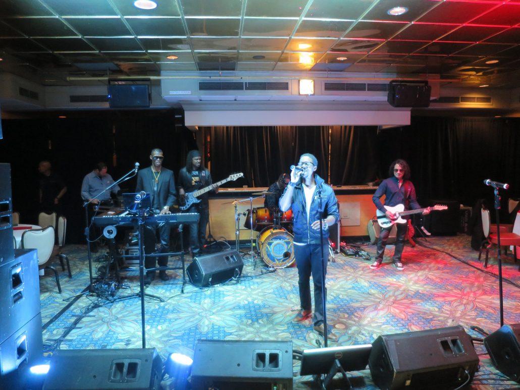 2016-12-03 Liquid Blue Band in San Diego CA on Hornblower Inspiration (6)