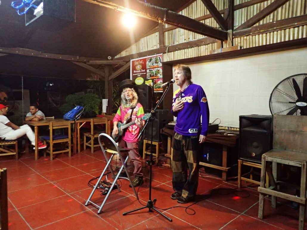 2016-12-04 Two From Blue in San Juan La Union Philippines at Kina Doks 000
