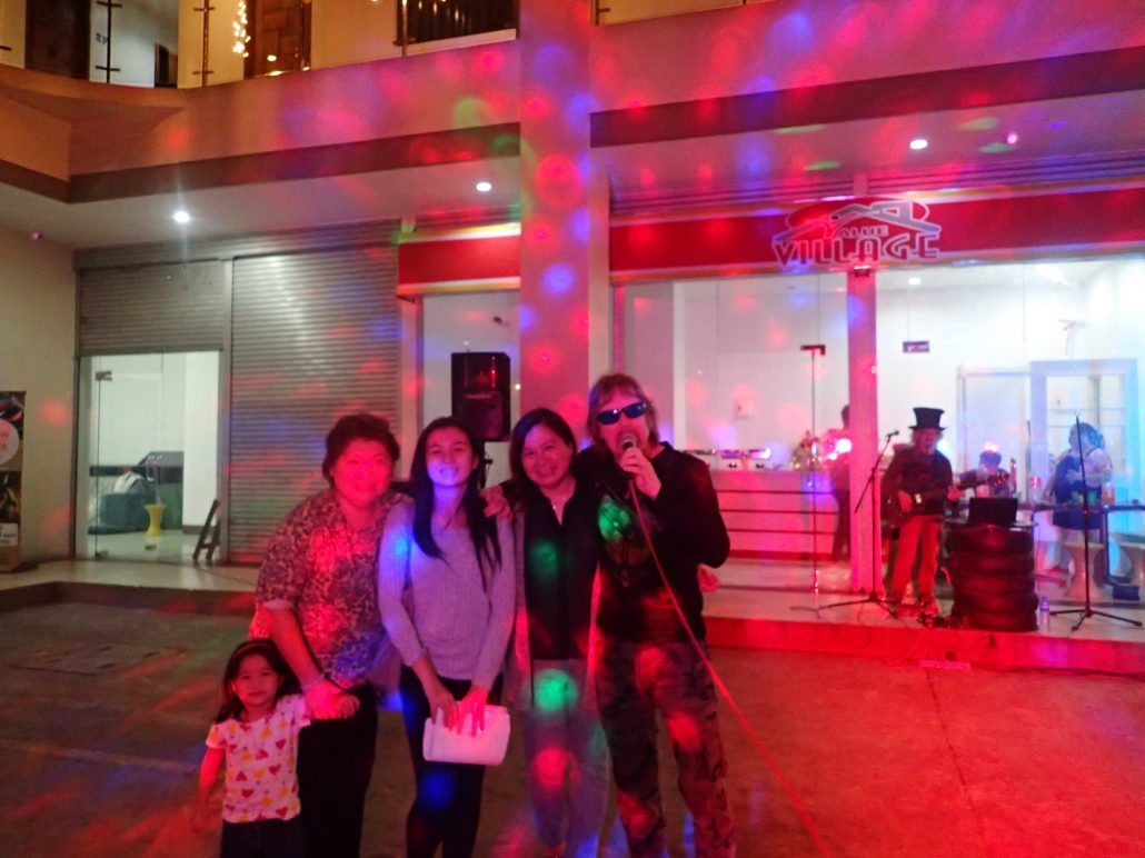 2016-12-17 Two From Blue in Cebu City Philippines at Maria Cristina Arcade 059